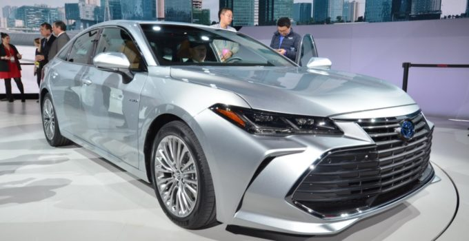 New 2022 Toyota Avalon Hybrid Exterior